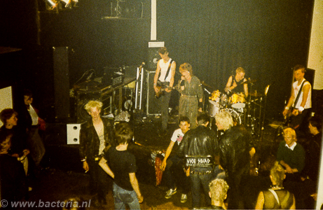 1983-06-18 Indirekt - De Buze, Steenwijk 01